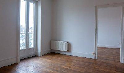 Appartement avec cachet et charme vendu proche gare de Bourg en Bresse dans petite copropriété